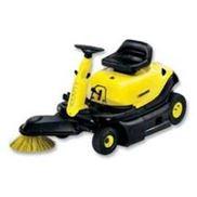 德国汽油机驱动驾驶式吸尘扫地车,清扫车