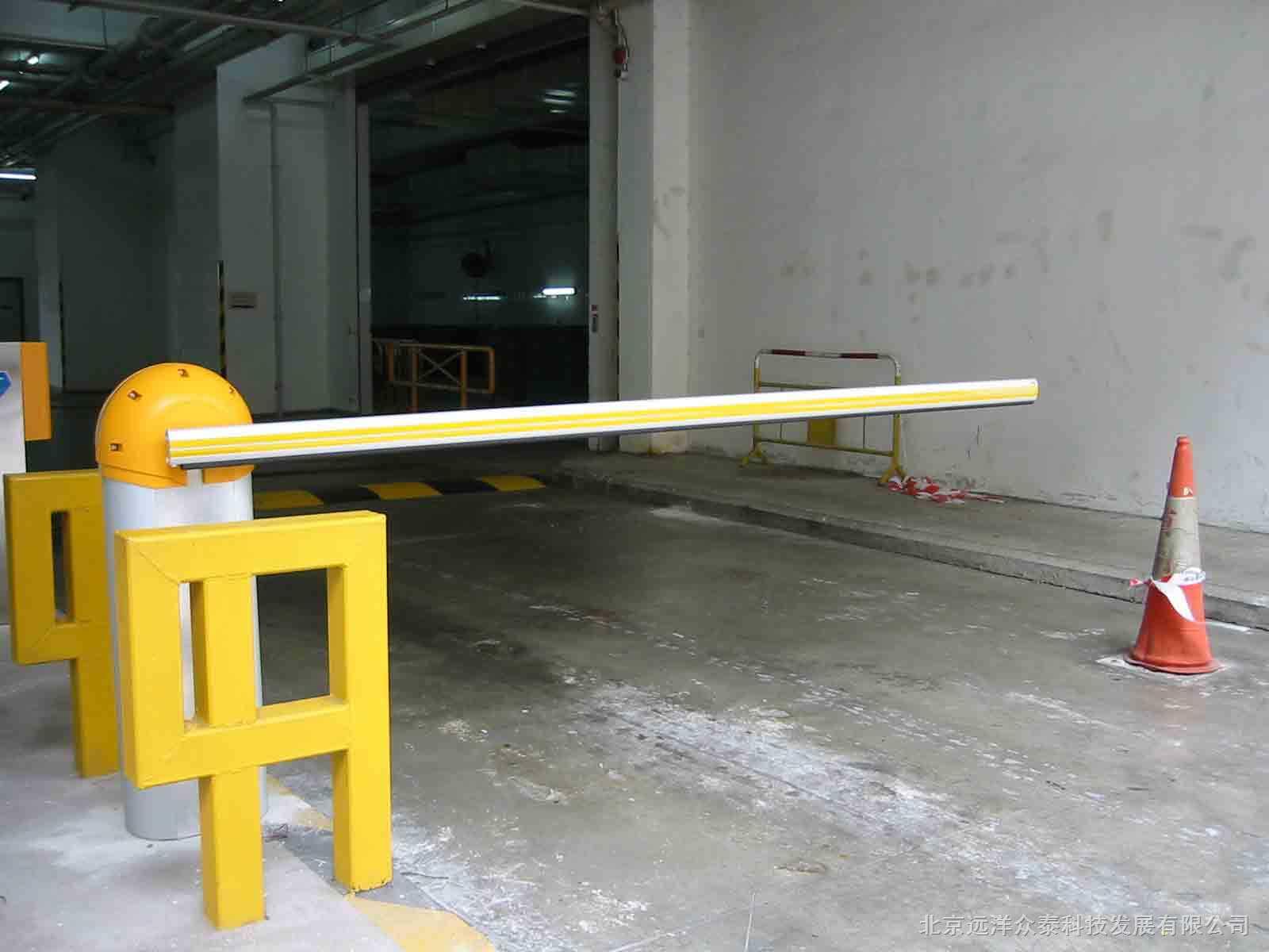 分为机箱,机芯,控制器,栏杆臂四个部分.1.