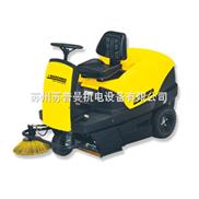 苏州汽油机驱动驾驶式吸尘清扫车